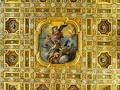Soffitto a cassettoni in legno dorato e oro zecchino. Tela di Luigi Garzi,1699, San MIchele che sconfigge Satana
